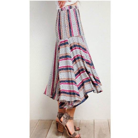 Dresses & Skirts - Asymmetrical skirt sz S M L